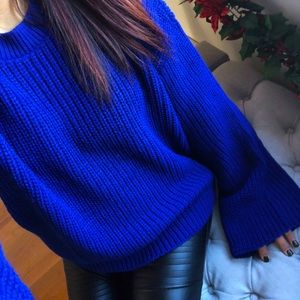 Sweaters - 🆕Royal Blues wide sleeve semi crop sweater